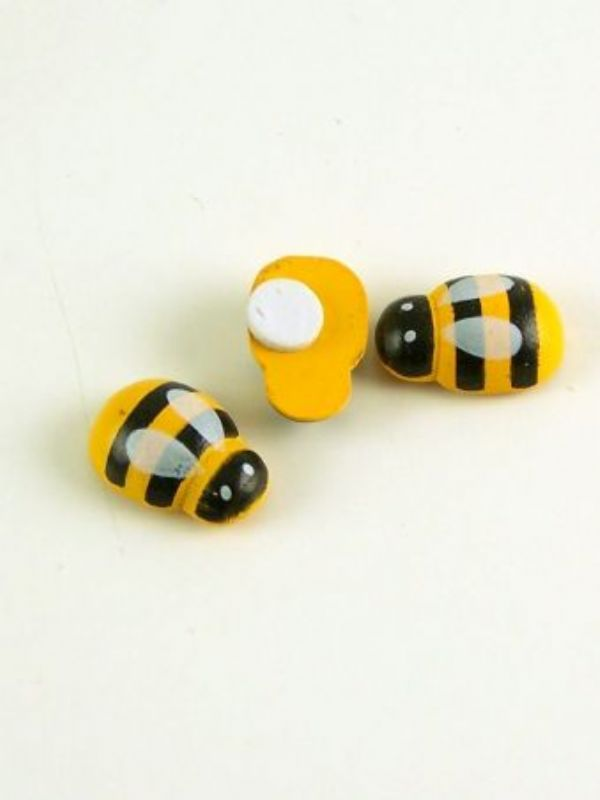 """""""Buy Bumble Bee Buttons from Love Jars"""""""